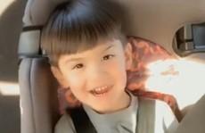 """Mỹ: Mẹ giơ """"ngón tay thối"""", con trai bị bắn chết tức tưởi"""