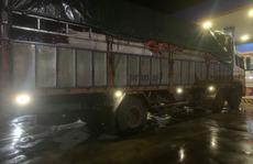 Xe tải tông xe máy, 1 người chết, 1 người bị kéo lê 20km
