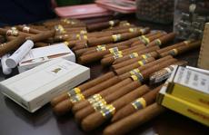 Hàng không tăng cường chống buôn lậu xì gà