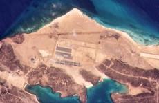 Căn cứ không quân bí ẩn trên đảo núi lửa ở Yemen