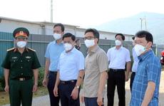 Chùm ảnh: Phó Thủ tướng Vũ Đức Đam thị sát tại 'tâm dịch' Bắc Giang