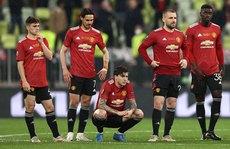 Man United 'tan giấc mơ hoa'