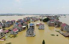 """Mực nước 71 sông vượt cảnh báo, Trung Quốc """"nín thở"""" chờ lũ lớn"""