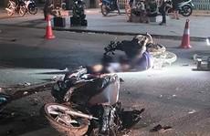 2 xe máy tông trực diện nhau, 4 người thương vong