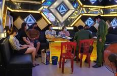 Hát karaoke giữa mùa dịch, chủ quán và 3 cặp nam nữ cùng bị phạt