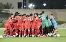 Chùm ảnh buổi tập đầu tiên của đội tuyển Việt Nam tại UAE