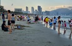 Đà Nẵng tạm dừng hoạt động tắm biển, massage, rạp phim từ ngày 4-5
