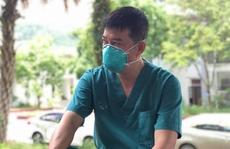 Bác sĩ trực tiếp điều trị cho phi công người Anh tăng cường tới tâm dịch Bắc Giang