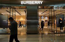 Ý: Bắt chủ cơ sở người Trung Quốc gia công hàng Burberry bóc lột lao động