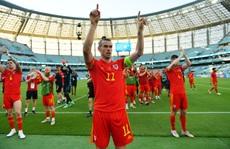 Gareth Bale 'tịt ngòi', Xứ Wales hòa may mắn trước Thụy Sĩ