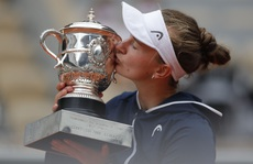 Chân dung 'nữ hoàng' Roland Garros 2021
