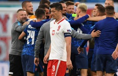 Siêu sao Lewandowski 'tịt ngòi', Ba Lan thất thủ trước Slovakia