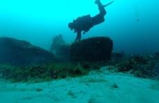 Kho báu hắc diện thạch 9.000 năm 'gây sốc' xuất hiện dưới đáy hồ