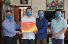 'Mai Vàng nhân ái' thăm nhà văn Triệu Xuân