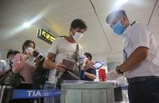 KHẨN: Tìm người đi cùng máy bay với ca Covid-19 từ TP HCM ra Thanh Hoá