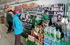 Giải tán chợ tự phát, hàng ở chợ và siêu thị bán chạy