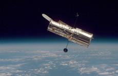 Kính viễn vọng không gian Hubble hư 'bí ẩn', NASA 3 lần sửa không thành công
