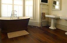8 vật liệu lát sàn nhà tắm được ưa chuộng nhất hiện nay
