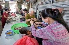 ẤM LÒNG NHỮNG NGÀY GIÃN CÁCH (*): Người nghèo làm cơm cho kẻ khó