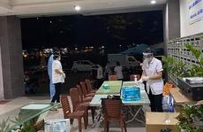TP HCM: Phong tỏa trong đêm 2 tòa nhà chung cư, xét nghiệm khẩn 1.000 cư dân