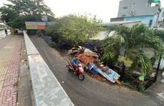 Hàng ngàn ngôi nhà 'chìm' dưới mặt đường ở TP HCM