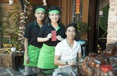 Giữa thị phi của Phi Nhung, dân mạng 'soi' gia cảnh Hồ Văn Cường