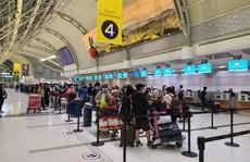 Hơn 250 người Việt từ Canada về nước