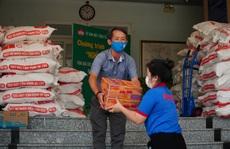 Chương trình 'Thực phẩm miễn phí cùng cả nước chống dịch' đến quận 8 và huyện Bình Chánh