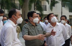 Thủ tướng Phạm Minh Chính trực tiếp kiểm tra chống dịch tại TP HCM