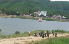 Tụ tập câu cá tại khu vực giãn cách xã hội, 4 người đàn ông bị phạt hành chính