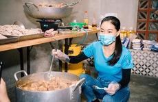 Hội Doanh nhân trẻ Việt Nam nấu hàng ngàn suất ăn cho tuyến đầu chống dịch và người nghèo