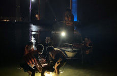 Nam nhân viên giao hàng nhảy cầu Thuận Phước trong đêm