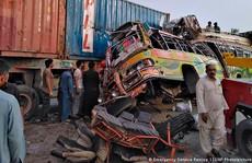 Tai nạn xe buýt kinh hoàng, 104 người thương vong