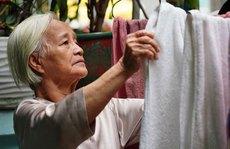 Giúp người cao tuổi vượt qua giãn cách