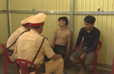 Clip: Khoảnh khắc truy bắt 2 đối tượng chở 2 tạ ma túy đá từ Lào về TP HCM