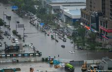 Trung Quốc cho nổ đê để giải phóng nước lũ