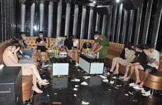 Chủ quán karaoke và nhân viên quản lý 'thả cửa' cho 48 khách bay lắc ma túy