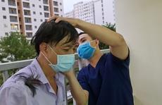 VÀO ĐIỂM NÓNG COVID-19 (*): 12 giờ 'xây' bệnh viện dã chiến