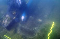'Tàu ma' 130 mét xuất hiện đầy vô lý giữa bãi lầy, nguyên vẹn sau 260 năm