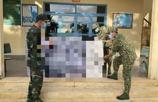 Phát hiện 6 người vứt 6 bao tải màu xanh rồi chạy về hướng biên giới Campuchia