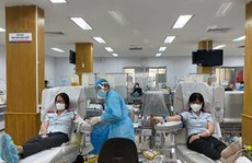 Hơn 300 đoàn viên hiến máu tình nguyện
