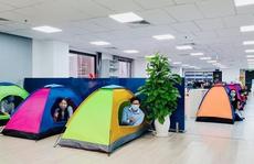 Nhiều ngân hàng ở TP HCM cho nhân viên 'ăn ngủ, làm việc' tại văn phòng