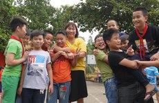 Cô giáo trẻ 'trồng người' trên núi