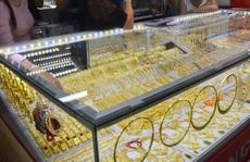 Giá vàng hôm nay 4-7: Vàng SJC quá cao so với giá thế giới