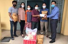 180 công nhân sân khấu nhận tiền, quà hỗ trợ trong mùa dịch Covid -19