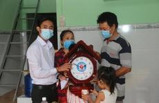Trao tặng nhà Đại đoàn kết cho hộ nghèo xã An Điền, thị xã Bến Cát