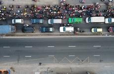 'Căng thẳng' đường về miền Tây sáng 7-7, vì nhiều tài xế ở TP HCM không có giấy xét nghiệm
