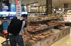 Siêu thị đối phó tình trạng mua gom trứng đem ra ngoài bán hưởng chênh lệch