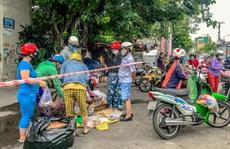 TP HCM: Một số chợ tự phát vẫn hoạt động bất chấp lệnh cấm