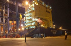 Việt Nam tiếp nhận, đưa đi cách ly 18 thuyền viên gặp nạn trên vùng biển quốc tế